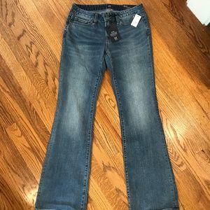 GAP 1969 Long & Lean Mid Rise Flare Jeans 26R NWT